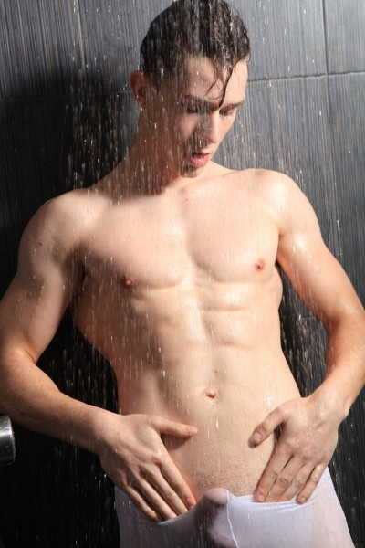 Elvis very hard and wet