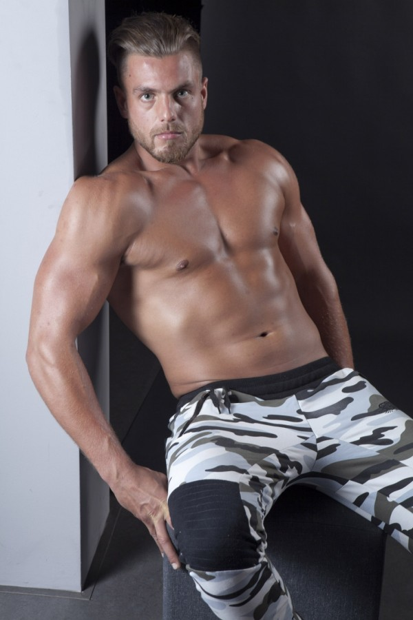 Muscular dutch fitness model #3